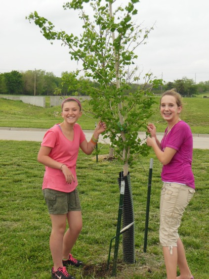 MS Students in Arboretum 2011